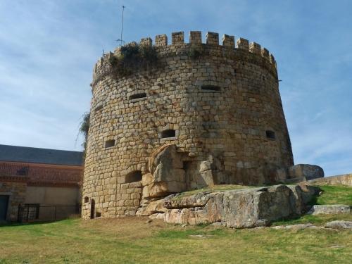 Instalaciones de tipo cultural y deportivo del Castillo-Palacio de Magalia