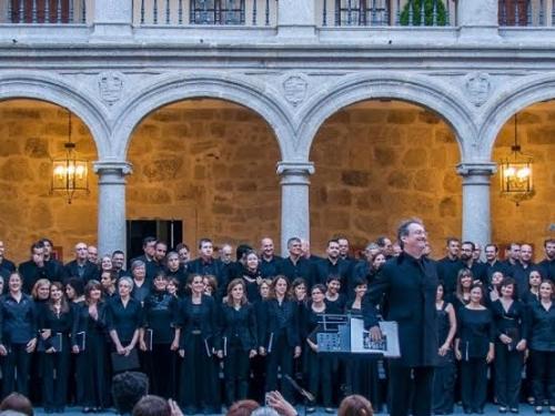 """Peter Phillips dirige en Las Navas del Marqués, el concierto final del """"Tallis Scholars Summer Course"""""""